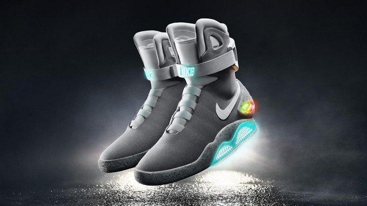 2d35d51ae37 2015 Nike Mag   les chaussures auto-laçantes de Retour vers le Futur ...