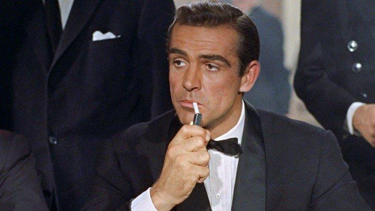 Et si tu améliorais ton anglais avec James Bond ? 17 films disponibles en VOST
