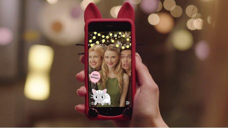 Snapchat lance des nouveaux filtres personnalisés et géolocalisés.
