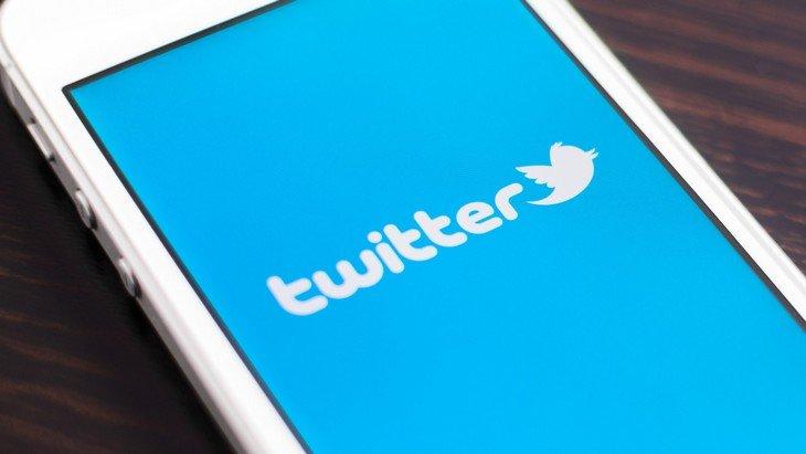 Twitter change l'ordre d'affichage de tes tweets. Et alors ?