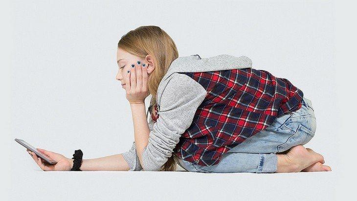 Smartphone : pourquoi utiliser un kit mains-libres est bon pour toi ?