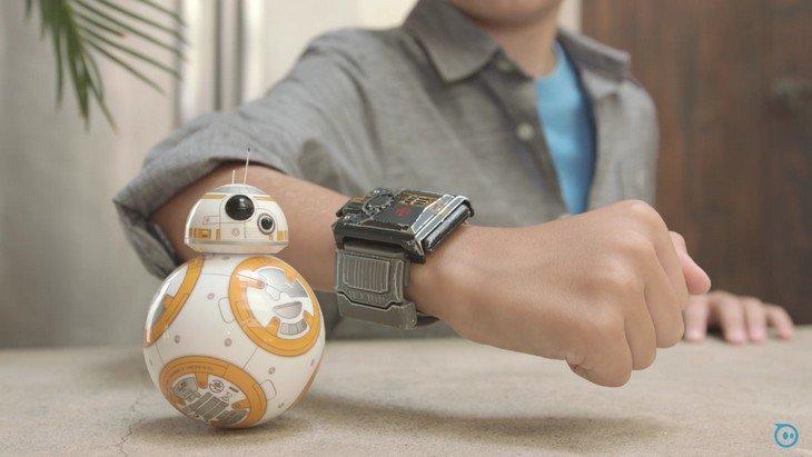 Sphero : contrôle ton BB-8 avec le bracelet Force Band !