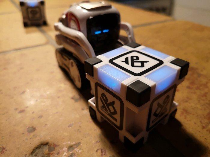 cozmo robot programmable