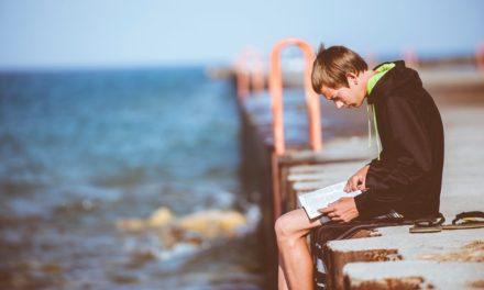 Question de la rentrée : les réseaux sociaux sont-ils les ennemis de la lecture chez les ados ?