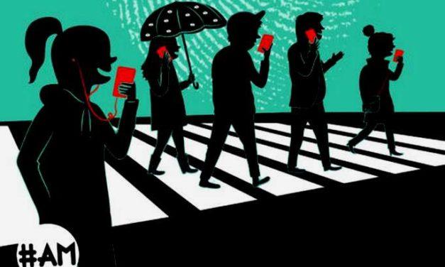 Lecture de fin d'été 3/3 : «Touche pas à ma vie privée!», un livre-bd pour se protéger en ligne