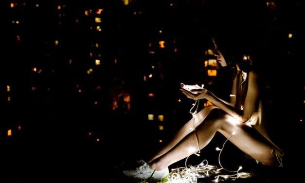 Le smartphone au cœur de la vie sociale et sentimentale des ados [étude]