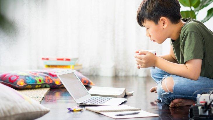 Étude : quelle utilisation des écrans chez les enfants pendant le confinement ?